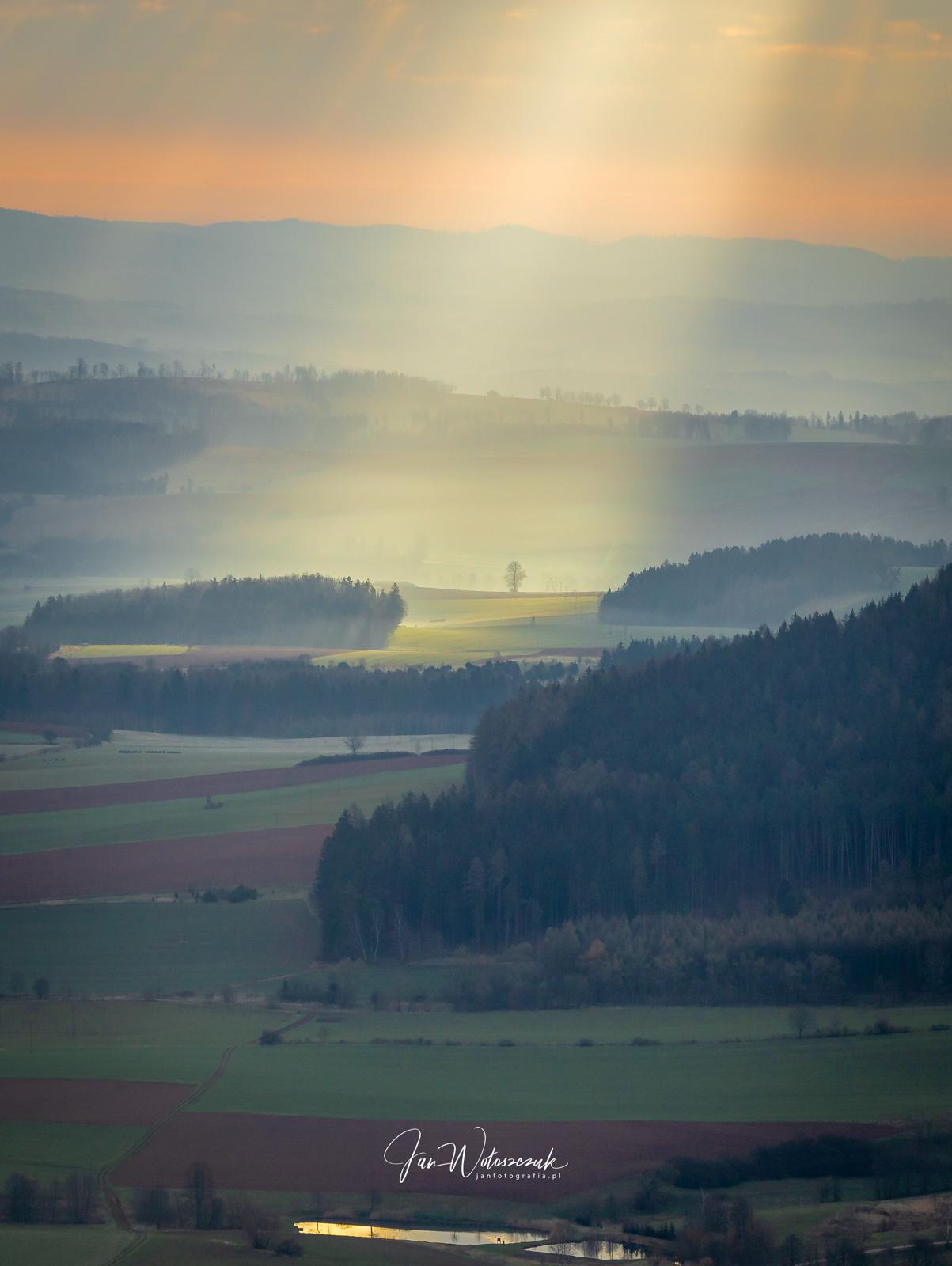 Góry Stołowe Ochota Magdaleny widok na Radków